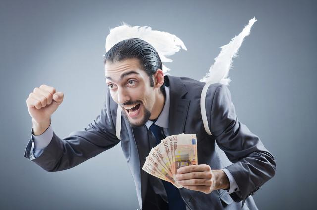 手里有50万的闲钱,投资什么理财一年可以有50000元的收益呢?